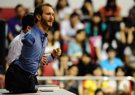 Tng 10.000 v gp Nick Vujicic ti Vit Nam thng 05/2013 - ... Video Nick Vujicic din thuyt ...